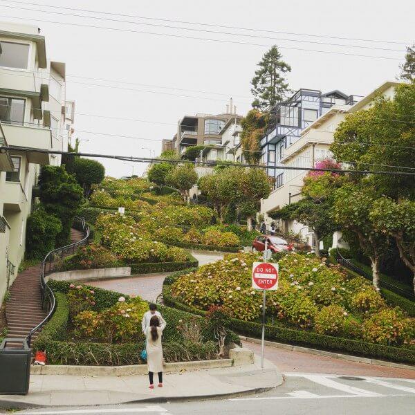 russian hill lombard street