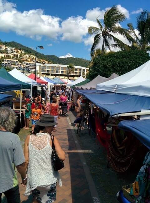 marché airlie beach australie