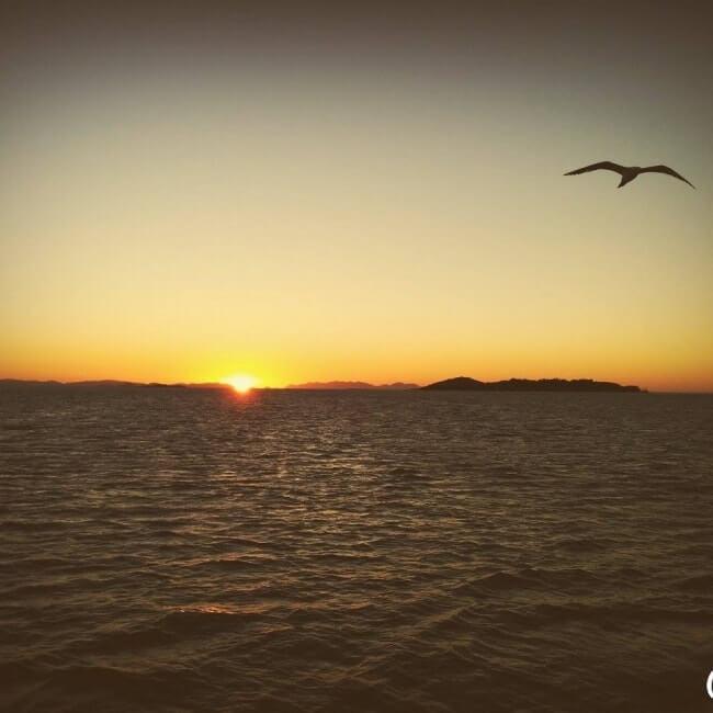 sunset airlie beach australie