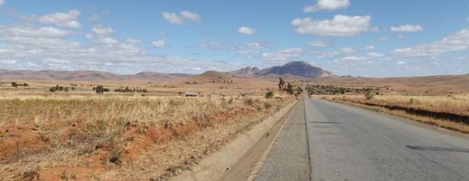 Road De Trip Madagascar Sur La Nationale 7 Mon c5RjL34qA