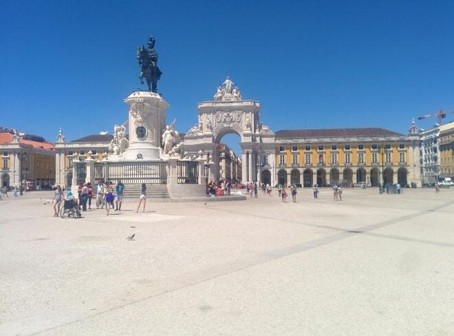 Place du commerce - visiter Lisbonne