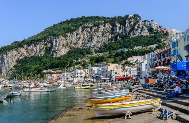 Capri dans la baie de Naples