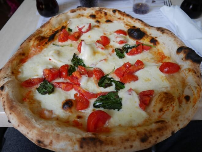 La pizza napolitaine