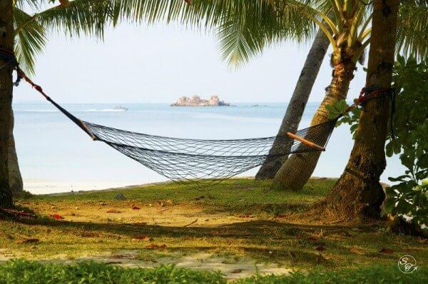 comment se loger gratuitement en voyage en dormant chez l 39 habitant. Black Bedroom Furniture Sets. Home Design Ideas