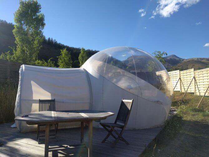dormir dans une bulle au camping le cians paca une. Black Bedroom Furniture Sets. Home Design Ideas