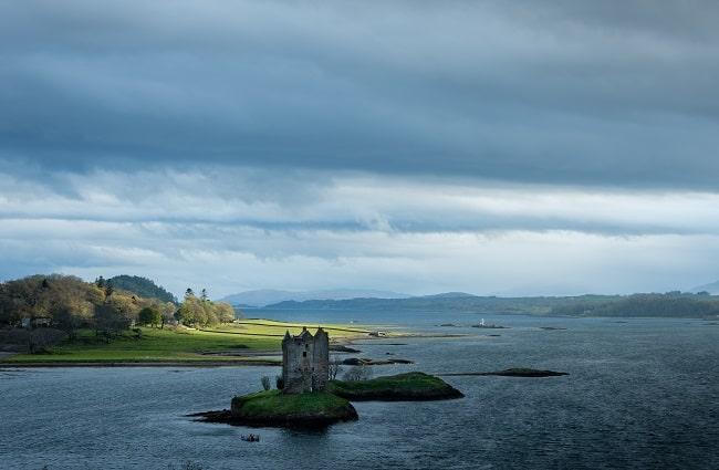 Château Stalker dans le Loch Linnhe en Écosse